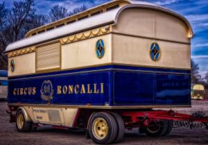 Circus Roncalli trailer